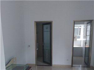 长阳清江大厦小区2室1厅1卫500元/月