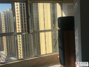 龙苑19楼3室精装双证可按揭138万