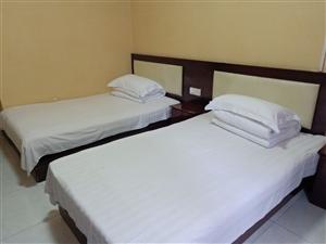 龙8国际娱乐城县星宏宾馆1室0厅1卫600元/月