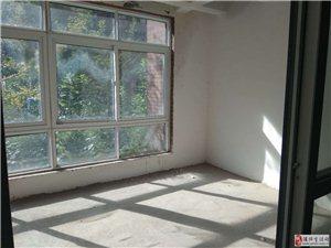 天明城4室2厅2卫90万元