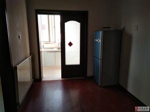朝晖里6室2厅1卫2200元/月