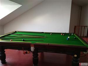 出售9成新台球桌一套1200元