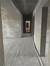 隆安东方明珠4室2厅2卫复试140万元