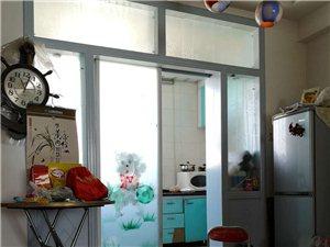 阳光小区3室2厅1卫精装1900元/月拎包入住