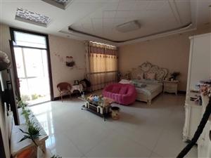 农民街5室2厅230平方125万元