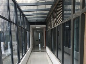 招商中心直租可做研发展厅、采光好带空调、停车免费