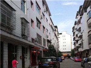 车库出租,景源小区(三味馆附近)自建房1楼面积40