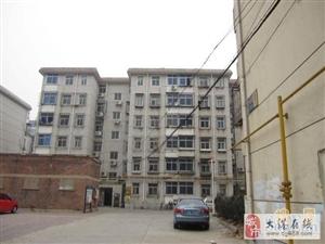 振业里3楼65平两室简装干净,1300暖气各半