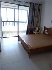 1室1厅1300元/月