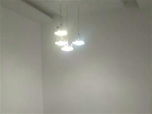 金台园3室2厅2卫精装修拎包入住2500元/月