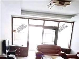 龙翔广场附近3房出租1600元/月带基础家具拎包住