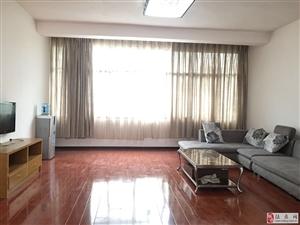 朝阳新苑4室2厅2卫1500元/月