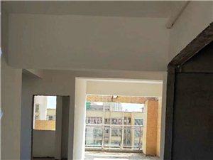 新锐书苑3室2厅2卫43.8万元