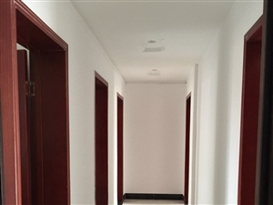 水岸嘉年华3室1厅1卫1200元/月