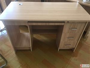 新办公桌椅便宜出售