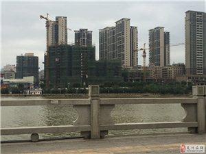 沿江西岸152.5平米中层江景四房售96万