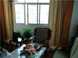 3室2厅2卫1335元/月