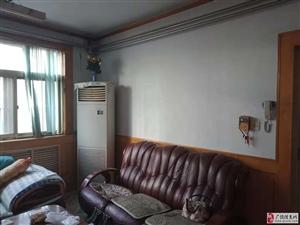 中医院附近2楼108平带家具空调冰箱1000元/月