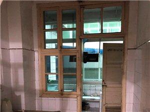 新圆弧兴浦路地段,二室一厅一厨一卫一阳台,面积65