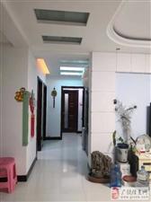 东方丽景一楼131平精装带储藏室证满五年98万元