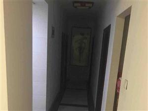 宝龙社区,精装五房,拎包入住,