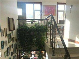 19337吉鹤苑小区5室2厅2卫四越五4200一平