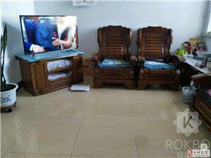 21687吉鹤苑小区3室1厅空间大价格低。可贷款。