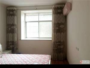 电视台附近,楼层低,家具家电齐全。价格优惠