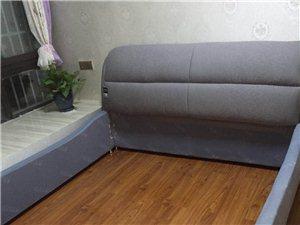 全新布艺1.8m的床转让