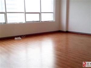 新亚财富广场5楼,110平精装年付33600元