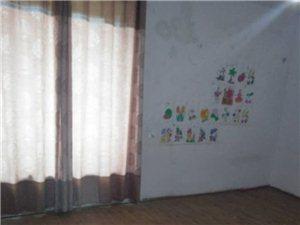 松桃世昌广场4室2厅2卫1厨1阳台833元/月
