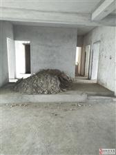 滨江花园步梯毛坯大四室4室2厅2卫42.8万元
