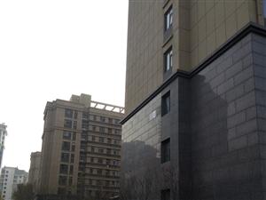 金岭壹品,14楼127平,中户,储藏室,英才学区