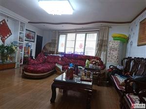 和平花园4室2厅2卫67万元