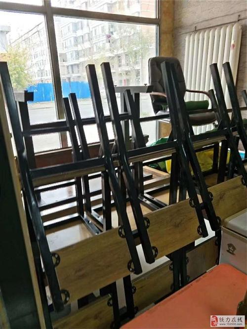 出售二手桌椅 九成新