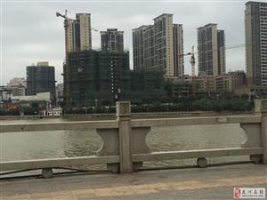 滨江御景居二期119平米三房低层电梯毛坯售59.4