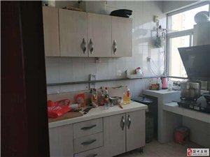 隆达食品3室2厅1卫89.9万元