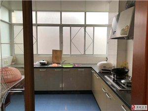 江滨二期繁华地段3室2厅2卫111万元
