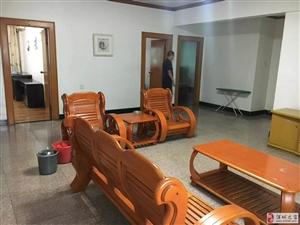 二中附近  3室2厅2卫77万元