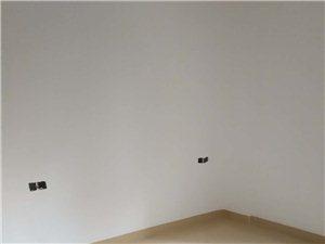 城中心2室2厅2卫全新装修62万元