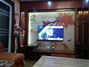 县中心龙昌大楼电梯3室2厅2卫2300元/月招租中