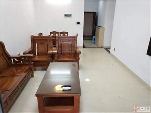 盛世皇冠3室2厅1卫2300元/月