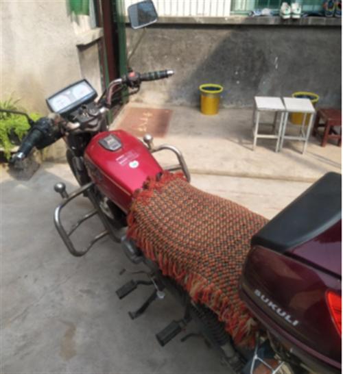 新郑市辛店低价出售9成新的五羊本田摩托车