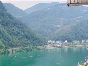长阳清江尚城小区4室2厅2卫81.2万元