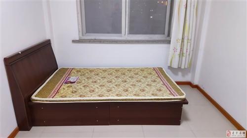 1.2*2m单人木床,九成新,带床垫,低价出售