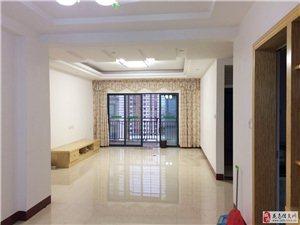 新世界电梯高层4室2厅2卫3000元/月出租中