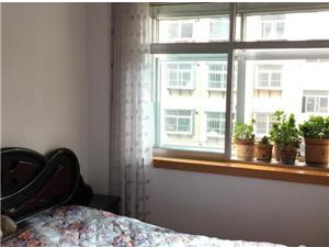 761家属楼3楼80平米带家具带草屋39万元