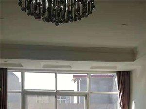 急售安国路精装143平木地板新房有车库门前10米38万