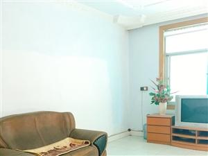 【飞宇宾馆对面】4室2厅2卫700元/月年付。