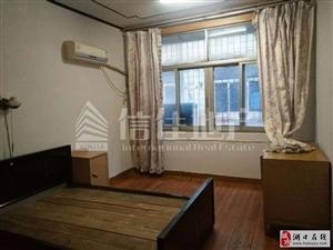 大市场1室1厅1卫500元/月